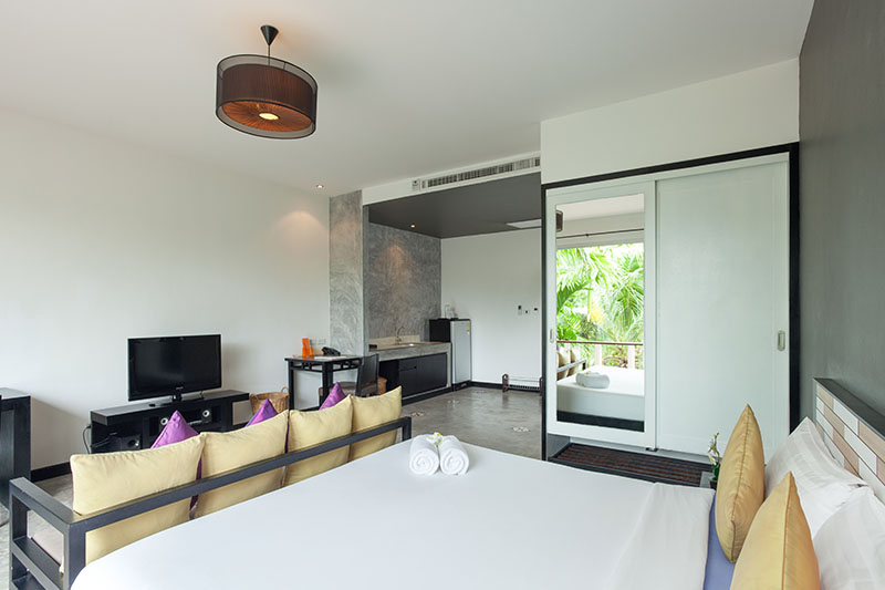 Signature Phuket Resort,Deluxe Studio (King Bed)